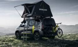Peugeot Rifter for adventure: all-wheel drive and a tent on the roof
