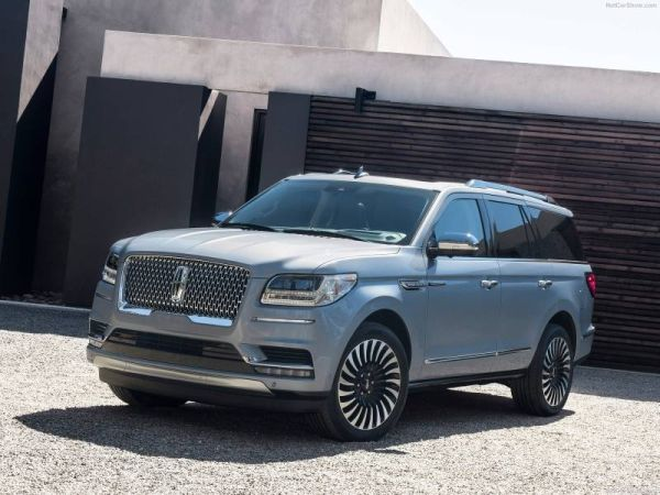 Crossovers Lincoln Navigator and Ford Expedition recorded heavy demand