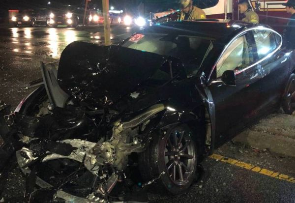 Elon Musk promises to improve the Tesla Model 3 after the accident with victims