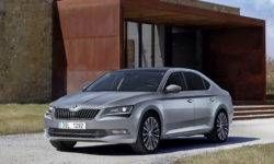 Plug-in hybrid Skoda Superb will appear next year