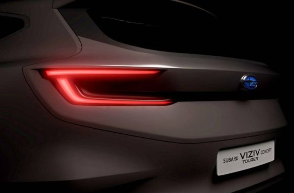 Subaru will soon unveil a new station wagon. The first image