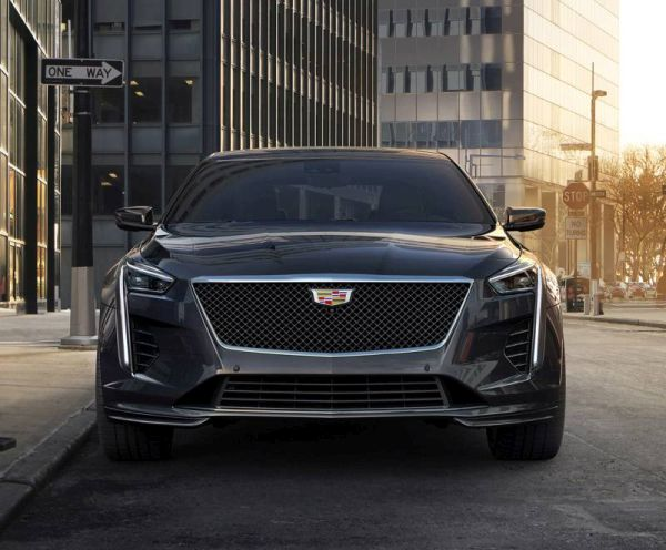 "Updated Cadillac CT6: design inspired by Escala and ""charged"" V-version"