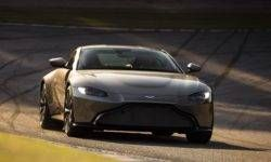 The first tests of the prototype Aston Martin Vantage: predictable motor and clear habits