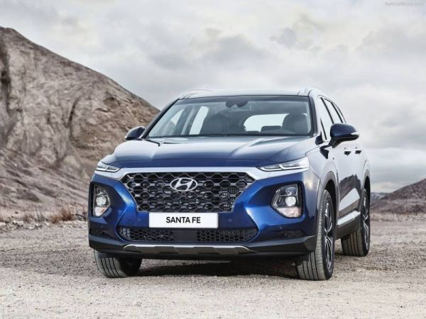 The first tests Hyundai Santa Fe new generation: cheap plastic, but clear habits