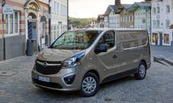 The new Opel Vivaro intermarry with the Peugeot Expert and Citroen Jumpy