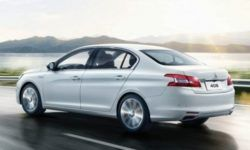 Refreshed Peugeot 408 sedan again shone on photo