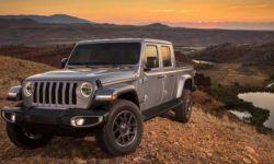 """The """"Jeep"""" appeared off-road pickup based on the new Wrangler"""
