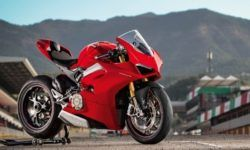 General Director of Ducati promises more V4 models
