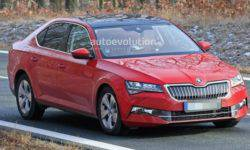 Updated Skoda Superb was caught without camouflage