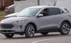 The debut of the new generation Ford Kuga is expected in April 2019