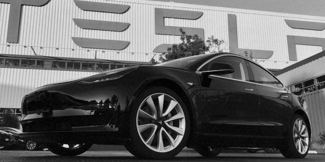 Guide Tesla was accused of spying on each staff