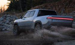 The company Rivian showed how electric pickup R1T behaves on the roads