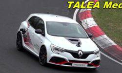 New Renault Megane RS captured without camouflage