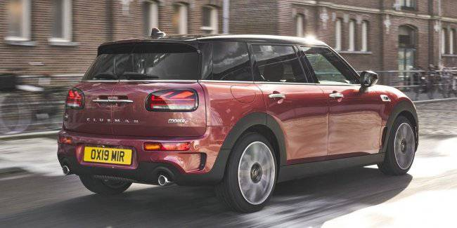 MINI Clubman for the first time updated the second generation