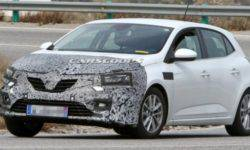 "In Network ""lit up"" photos of the upgraded Renault Megane"