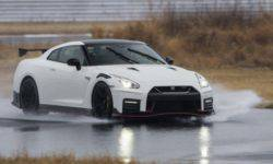 Nissan will build a new GT-R based on customers ' requests