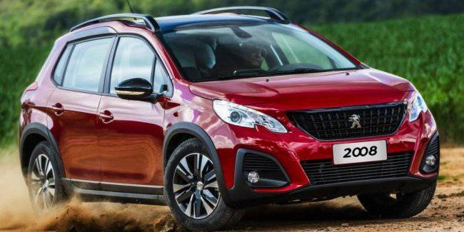 New Peugeot 2008: the design in the style of the older SUVs, some places now without mechanics