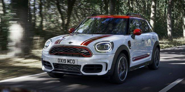 """New MINI JCW most powerful in history, but now without the """"handles"""""""