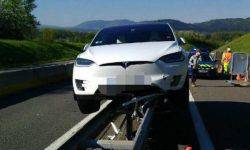 "Tesla car Model X ""stood on the rails"" against his will"