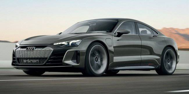 The Audi speeds up the plan for the electrification of the model range