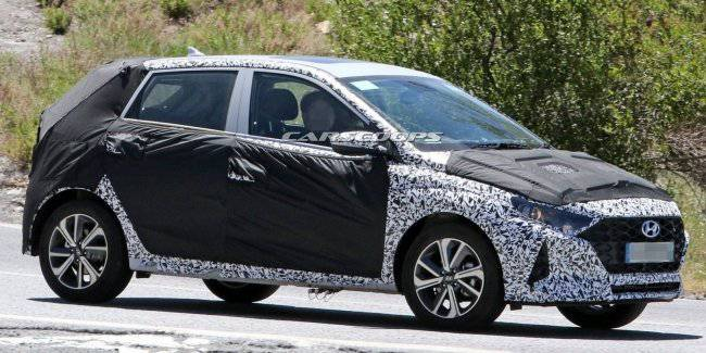 Hyundai is preparing a major change in the external design for the hatchback i10