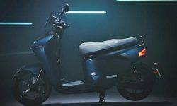 Yamaha has introduced a scooter with a removable battery