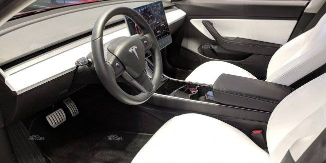 """Tesla Model 3 and Model Y will get a completely """"vegan"""" interior"""