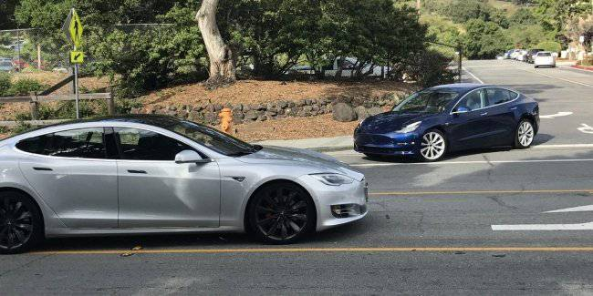 The Tesla Model S and Model 3 was seen in a new guise