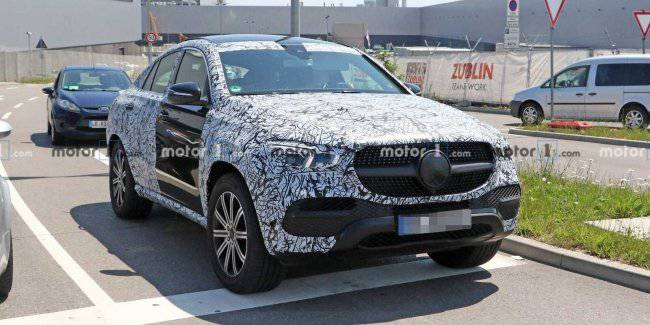 Updated Mercedes-Benz GLE Coupe caught on tests