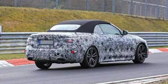 The test was shown a prototype of the new BMW convertible 4 series (G22)