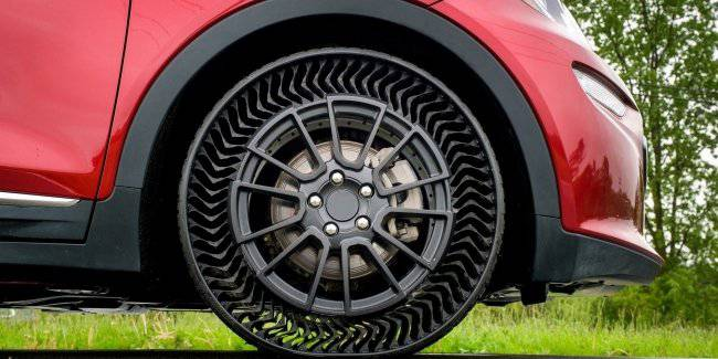 General Motors and test Michelin airless tire