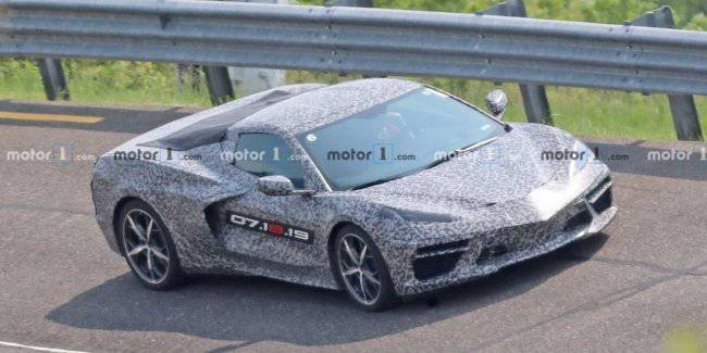 In the Network appeared pictures of the new Chevy Corvette C8