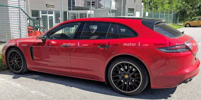 An updated version of the Panamera Sport Turismo caught photospin