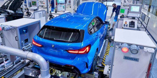 BMW started production of the hatchback 1-Series new generation in Leipzig
