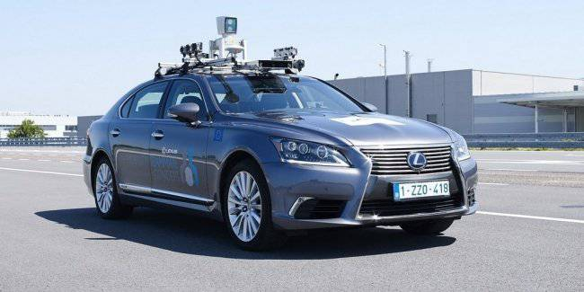 Toyota moved to the last stage of testing driverless Lexus LS