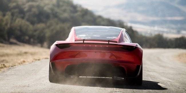 Elon Musk: SpaceX engine in the Roadster will have a plate behind the license plate