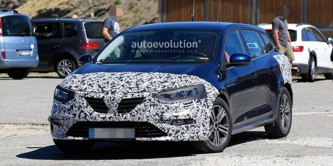 Renault is testing an updated version of the Megane wagon