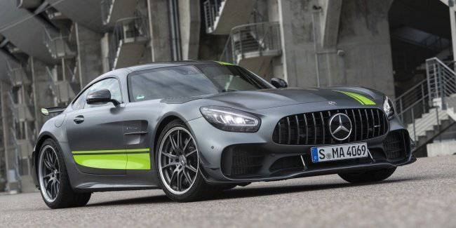 """Announced price of """"hardcore"""" Mercedes-AMG GT R Pro"""