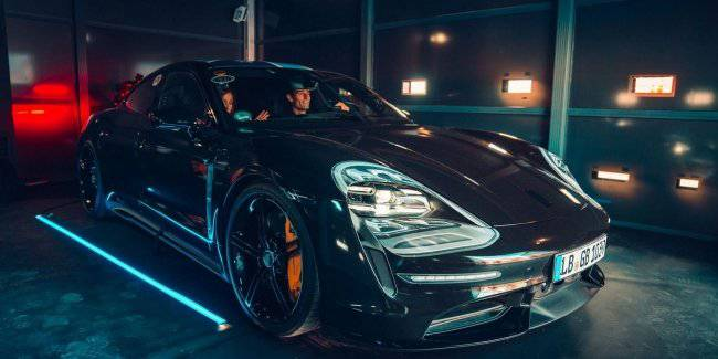 The base Porsche Taycan get rear-wheel drive and an electric motor with a capacity of 381 326 or HP