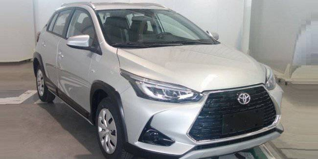 """Budget hatch Toyota after restyling has become a """"type of crossover"""""""