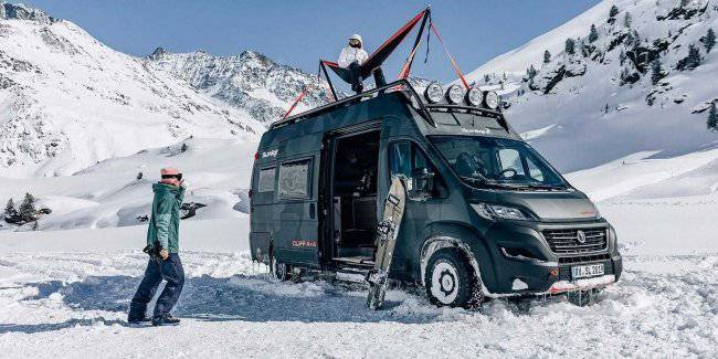 The Germans released serial van on the Fiat Ducato with a hammock on the roof