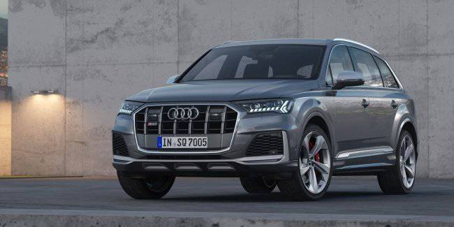 Audi showed the updated crossover Audi SQ7 TDI