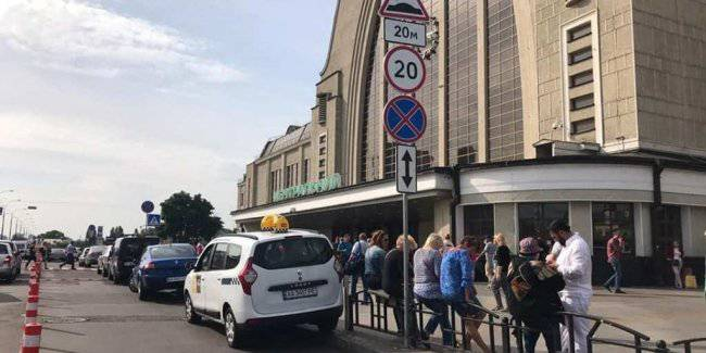 In Kiev continue to evacuate cars: any locations inspectors