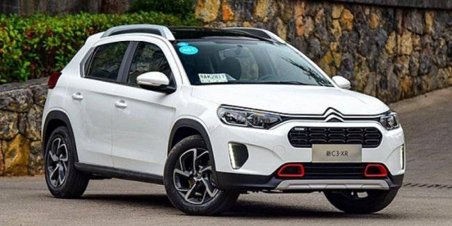 In selling a new subcompact crossover Citroen C3-XR