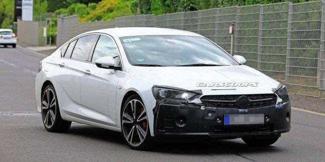 The new Opel Insignia will borrow the grille at Corsa