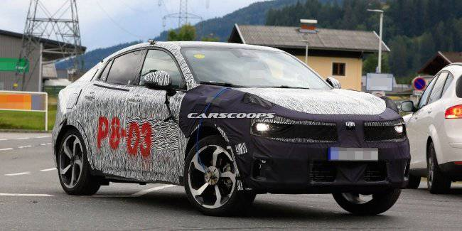 A prototype of the SUV Lynk Co undergoing testing in Europe