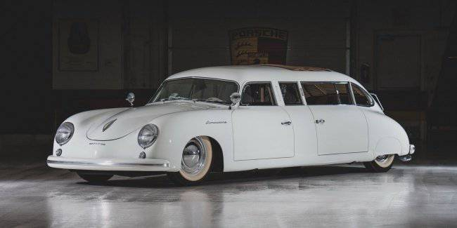 At the auction exhibited the rear-engined Porsche limousine