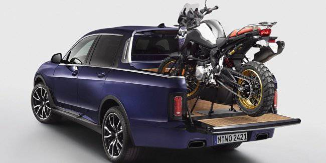 BMW X7 was turned into a pickup