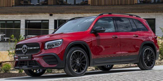 The debut of the Mercedes-AMG GLB and electric cars EQS will take place in Frankfurt