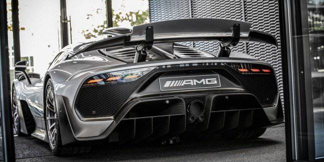 Delivery hypercar Mercedes-AMG One is postponed for two years